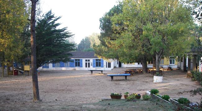 Centre de St Jean de Monts : vacances, classes, colonie. Bâtiments d'hébergement