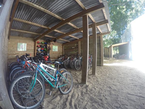 Centre de St Jean de Monts, vacances, classes, colonie, bâtiments extérieur vélos 2017