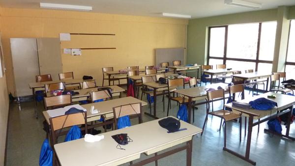 Centre de Combloux, vacances, classes, colonie, bâtiments : salle de classe