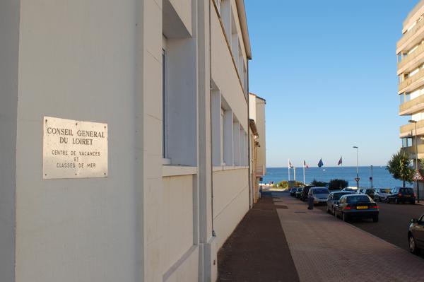 Centre de vacances, Les Sables d'Olonne : vacances, classes, colonie, bâtiment extérieur