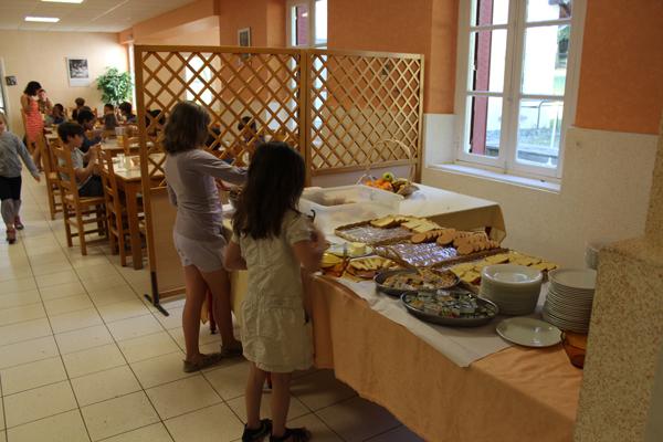 Colonie de vacances, séjours, classes de découvertes, famille, Crocq : bâtiment, salle à manger 2