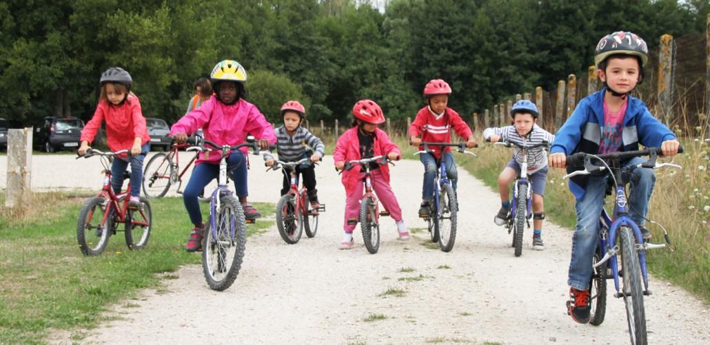Colonie de vacances, séjours, classes de découvertes, famille, Ingrannes : l'activité vélo