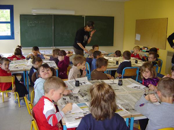 Colonie de vacances, séjours, classes de découvertes, famille, Ingrannes : bâtiments, la salle de classe