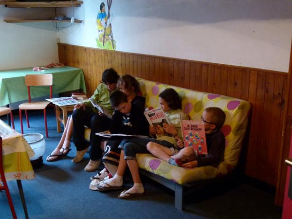 Colonie de vacances, séjours, classes de découvertes, famille, à Lans en Vercors, bâtiment : bibliothèque