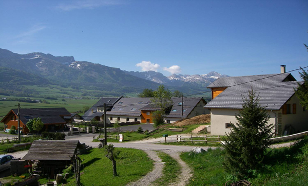 Colonie de vacances, séjours, classes de découvertes, famille, à Lans en Vercors, bâtiment : paysage 2