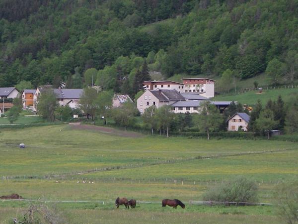 Colonie de vacances, séjours, classes de découvertes, famille, à Lans en Vercors, bâtiment : paysage 3