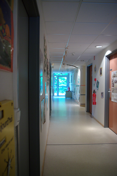 Colonie de vacances, séjours, classes de découvertes, Les Caillettes : bâtiments, le couloir