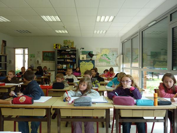 Colonie de vacances, séjours, classes de découvertes, Les Caillettes : bâtiments, la salle de classe