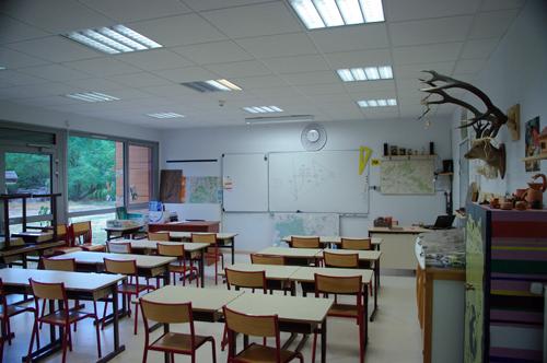 Colonie de vacances, séjours classes de découvertes, Les Caillettes, bâtiment salle de classe 2
