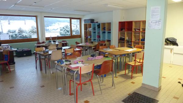 Colonie de vacances, séjours, classes de découvertes, vacances en famille, Sollières : sallle de classe