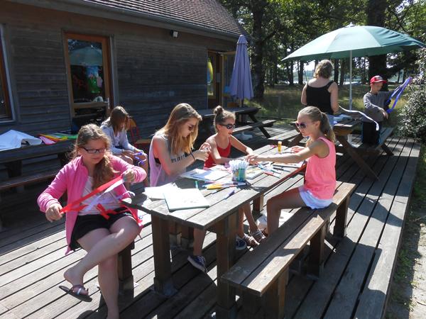 Colonie de vacances, séjours vacances, enfants, activités manuelles : été