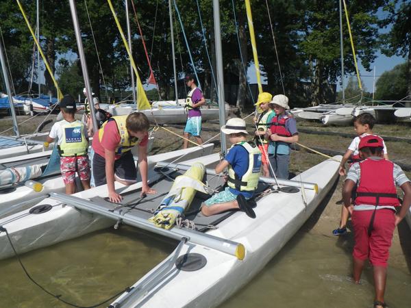 Colonie de vacances, séjours vacances, enfants, catamaran : été