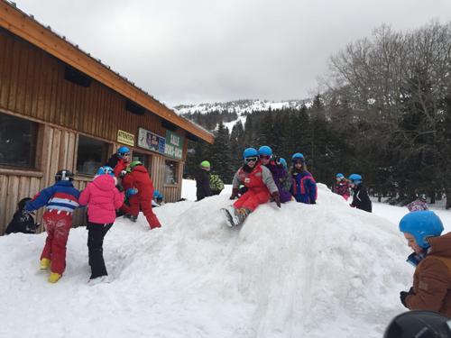 Centre colonies vacances, camps, neige, hiver, ski, Lans en Vercors jeux neige2020