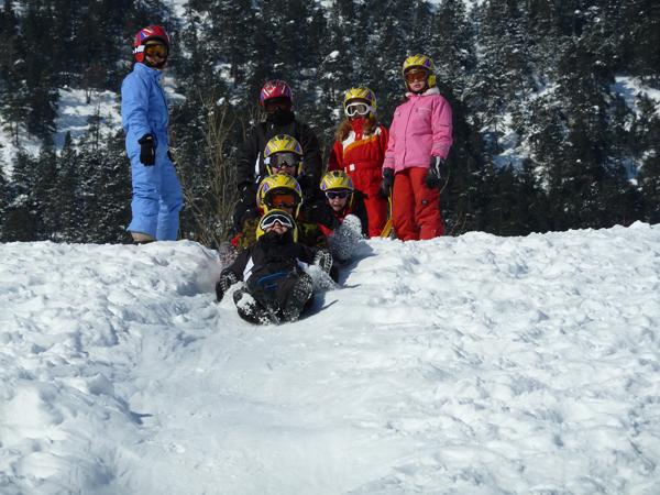 Centre, colonies, vacances, camps, neige, hiver, ski, sollieres : jeux luge