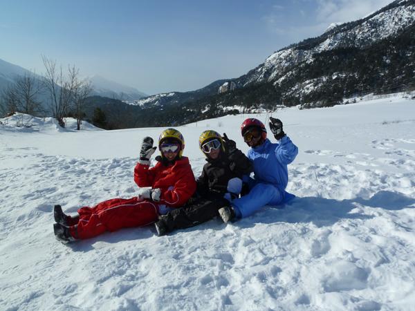 Centre, colonies, vacances, camps, neige, hiver, ski, sollieres : jeux luge 2