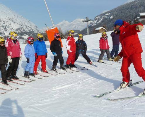 Classe de découvertes, classe de neige, centre vacances, ski alpin, Oeuvre Universitaire du Loiret