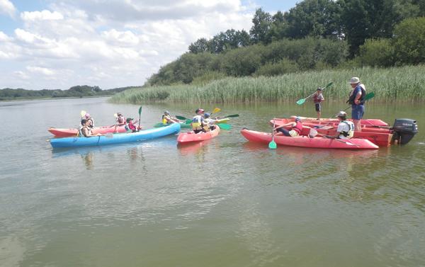 Colonie de vacances, séjour printemps : canoë, enfants, Oeuvre Universitaire du Loiret