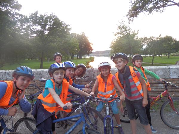 Colonie de vacances, séjour printemps, enfants, Oeuvre Universitaire du Loiret : VTT