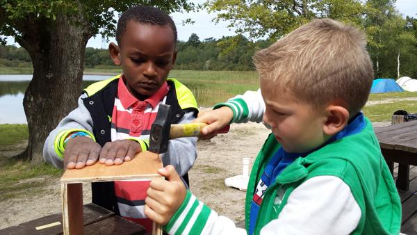 Colonie de vacances, séjour printemps, enfants, Oeuvre Universitaire du Loiret : construction