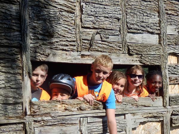 Colonie de vacances, séjour printemps, enfants, Oeuvre Universitaire du Loiret : sortie
