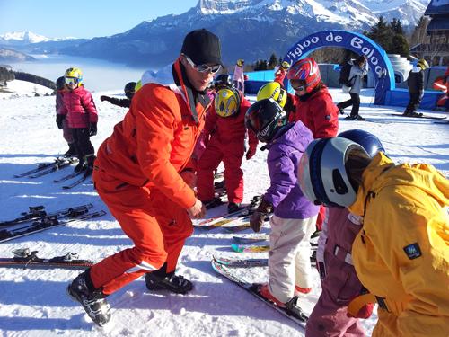 Centre colonies vacances, camp, neige hiver, ski, combloux