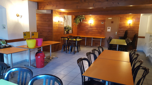 Colonie de vacances, séjours classes de découvertes, famille, Lans en Vercors, salle à manger